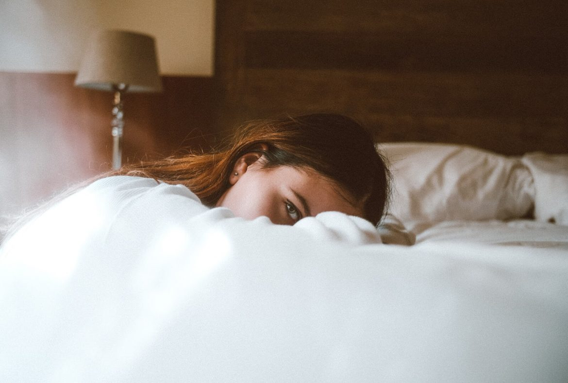 Learn How to Sleep Better with Anxiety. Living with anxiety is extremely uncomfortable for thousands of people who have to deal with the challenges on a daily basis. The effects of the issue don't just go away when they bed down for the night and try to get some rest all ready for the next day either.