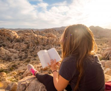 The best motivational books to read today. If you are searching for a way to be more consistent and motivated, these books are life-changing